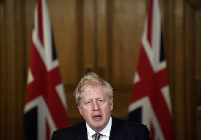 Anglicko čaká lockdown, počet prípadov COVID-19 presiahol milión a nemocnice by mohli skolabovať