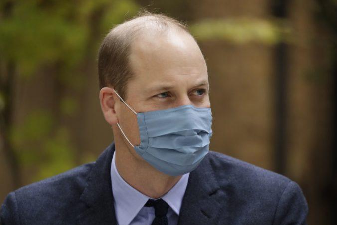 Princ William mal pozitívny test na koronavírus, ale diagnózu nezverejnil