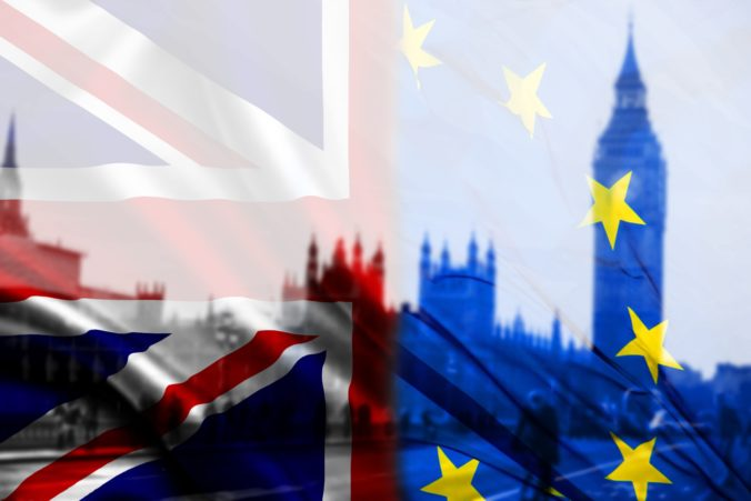 Spor o porušení podmienok brexitu sa vyhrocuje, EK zvažuje ďalšie právne kroky proti Británii