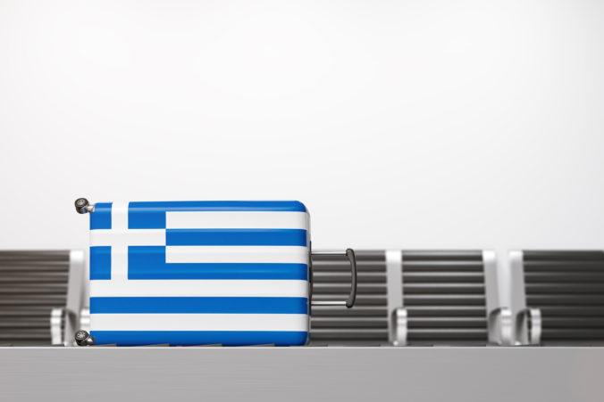 Cestujúci do Grécka musia odoslať online formulár, pripraviť sa treba aj na možné testovanie