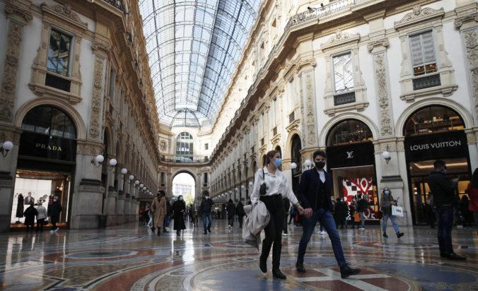 Taliansky premiér odobril celoštátny zákaz nočného vychádzania, podpísal aj sprísnenie ďalších opatrení