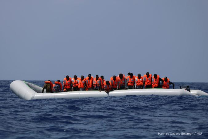 V Stredozemnom mori sa utopilo viac ako 70 migrantov, boli medzi nimi aj ženy a deti