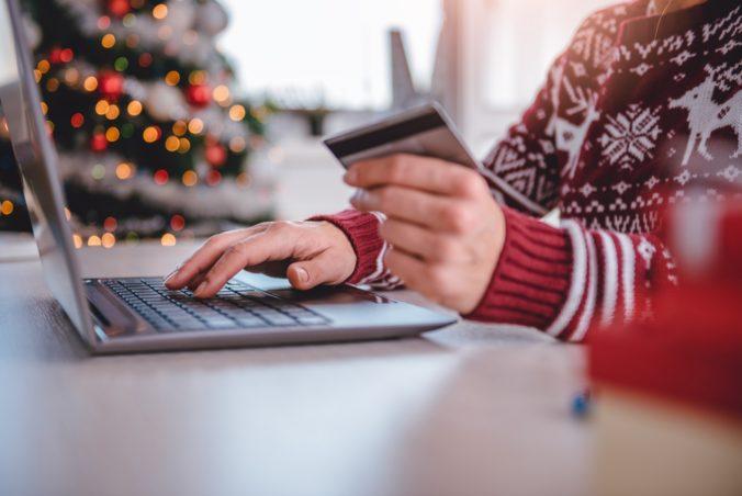 Predvianočná bitka o zákazníkov sa bude viesť na internete, súčasná situácia nahráva e-shopom
