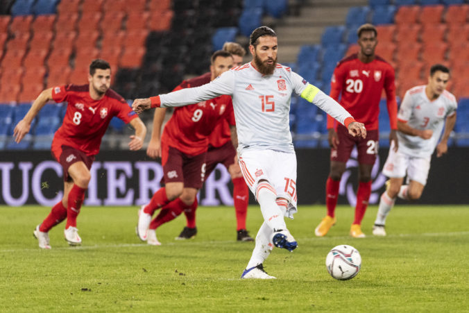 Sergio Ramos zahodil v zápase Ligy národov dve penalty, Španieli zachránili aspoň bod