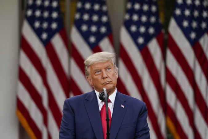 Trump považuje prezidentské voľby v USA za sfalšované, zamýšľa sa nad slabou kampaňou Bidena