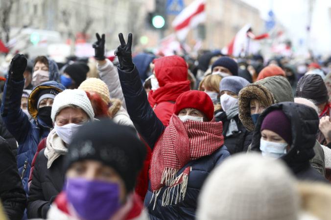 Protesty proti prezidentovi a jeho režimu v Bielorusku trvajú už 100 dní, stali sa už každodennou súčasťou života