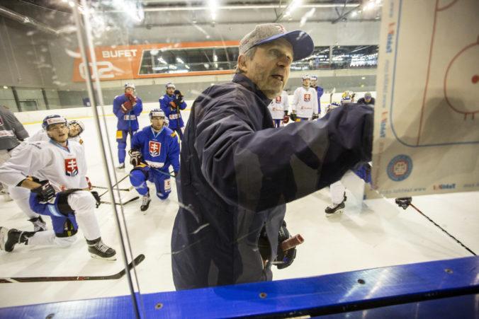"""Hokejová """"dvadsiatka"""" sa bude na MS pripravovať vo Zvolene, kouč Petrovický pozval 45 hráčov"""