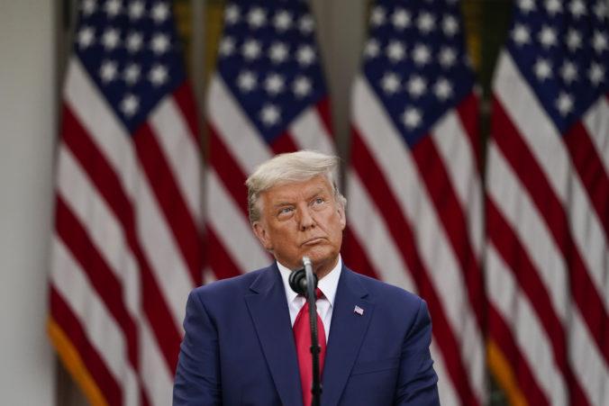 Riaditeľ federálnej agentúry odmietol falšovanie volieb, Trump ho odvolal z funkcie