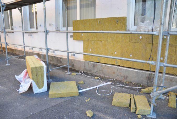 Senickým policajtom zrekonštruujú obvodné oddelenie, zateplia strechu a vymenia aj okná