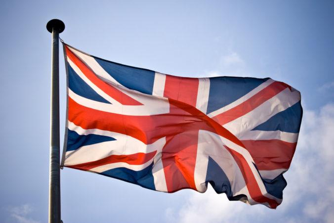 Británia podpísala predbežnú dohodu s Kanadou, chce si zabezpečiť obchodné vzťahy po vystúpení z EÚ