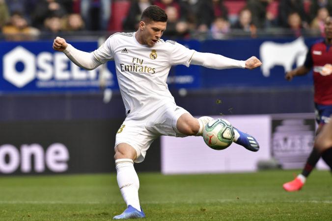 Real Madrid prišiel dočasne o útočníka Luku Joviča, z hry ho vyradil koronavírus
