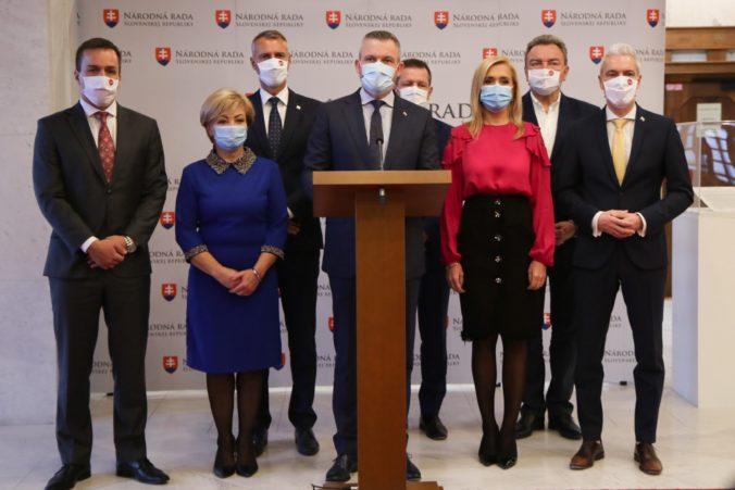 Pellegriniho poslanci vylúčili Klimenta vo voľbe generálneho prokurátora a odmietajú dohody s koalíciou