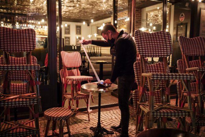 Registrácia zákazníkov reštaurácií v Rakúsku porušuje právo na súkromie