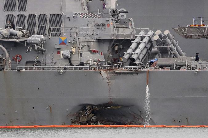 Ruská vojnová loď prenasledovala americký torpédoborec, hrozila mu aj nárazom