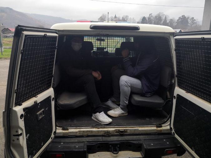 Slovenské hranice nelegálne prekročili dvaja Turci, polícia ich objavila v lese