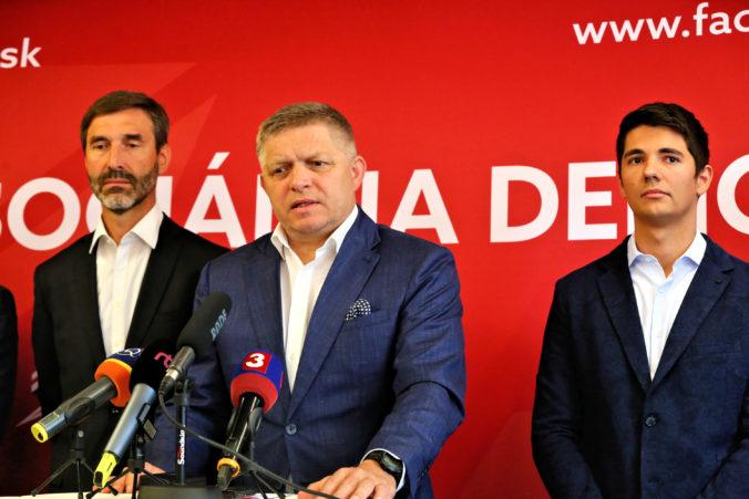 Smer-SD žiada referendum o skrátení volebného obdobia, vyzbieral podpisy na mimoriadnu schôdzu parlamentu