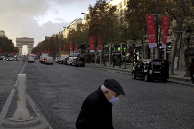 Rúška budú vo Francúzsku povinné aj po vakcinácii, vláda oznámila aj zmiernenie lockdownu
