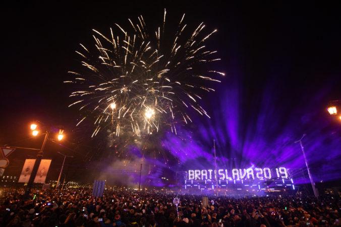 Oslavy Silvestra bez ohňostroja. Bratislava nechce, aby tisíce eur skončili vo vzduchu