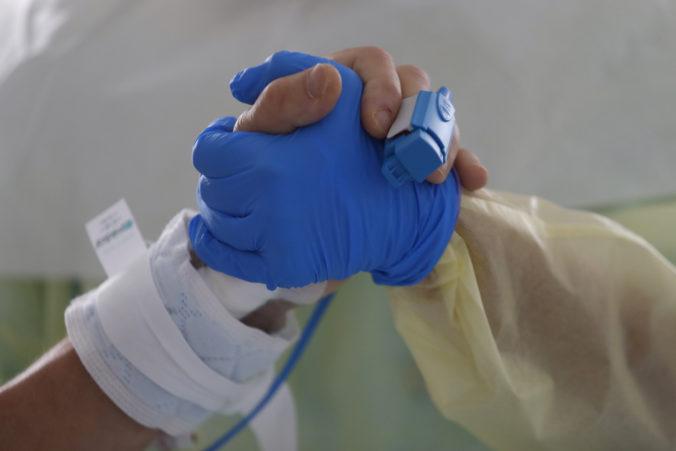 Život nemá dátum spotreby, starší ľudia sa pri očkovaní nesmú ocitnúť na okraji záujmu