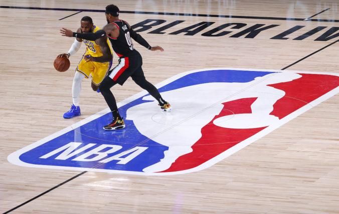NBA sa možno začne tesne pred Vianocami, domáce zápasy odohrajú tímy vo svojich halách