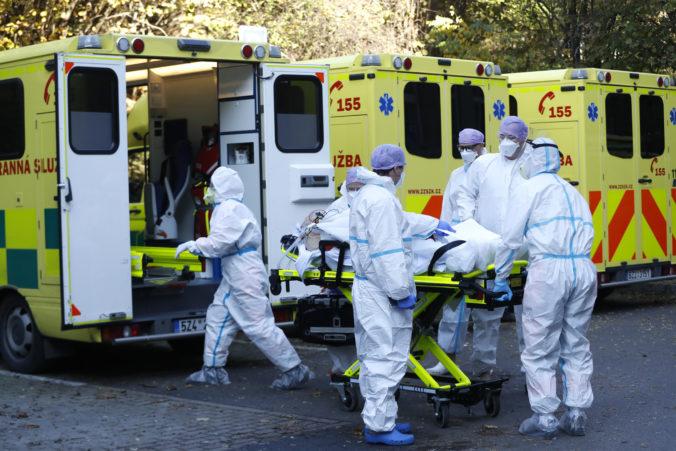 Česko uvoľní opatrenia voči koronavírusu, pokles denných prírastkov vyzerá nádejne