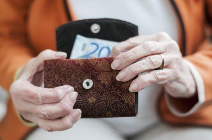 Slováci prezradili výšku svojich vysnívaných dôchodkov, s aktuálnou sumou sú nespokojní