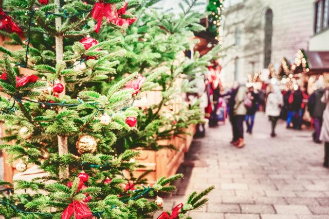Za vianočné nákupy si priplatíme viac ako minulý rok, obchodníci sa konečne môžu tešiť na vyššie tržby