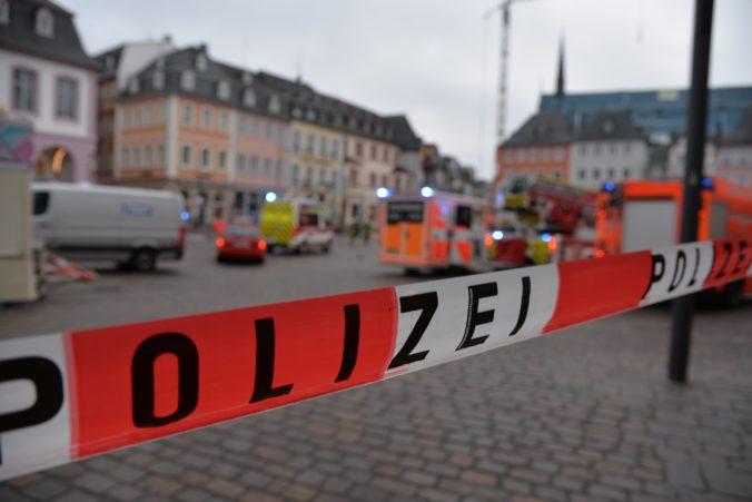 Auto vrazilo do ľudí v centre mesta Trier, nemecká polícia hlási mŕtvych a zranených (foto)
