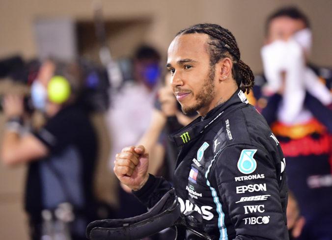 Hamilton sa nakazil koronavírusom a vynechá Veľkú cenu Sakhiru, Mercedes o náhradníkovi mlčí