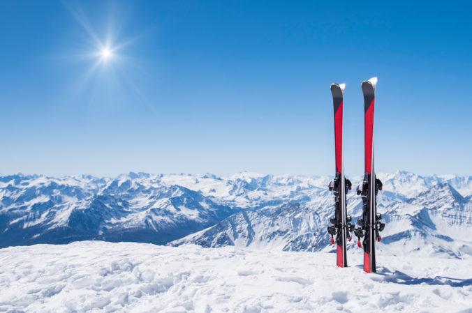 Taliansko trvá na celoeurópskom zákaze lyžiarskej sezóny, inak by mohlo zavrieť hranice