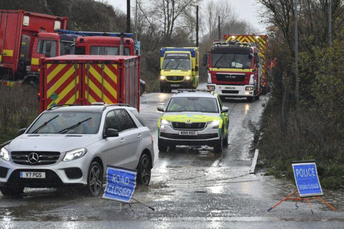 Mohutný výbuch skladiska v Bristole, britská polícia hlási viacere obete