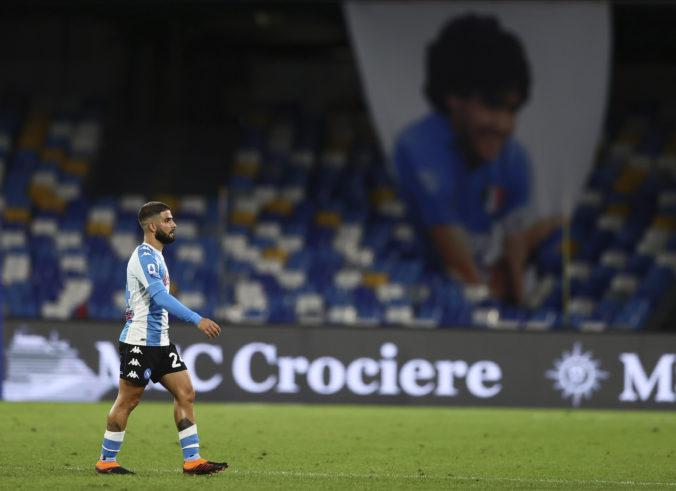 Neapol premenoval futbalový štadión na počesť zosnulého Diega Maradonu