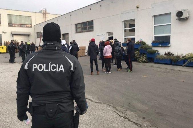 Polícia sa zamerala na nelegálnu prácu v bratislavskej firme, vyhostila piatich Ukrajincov
