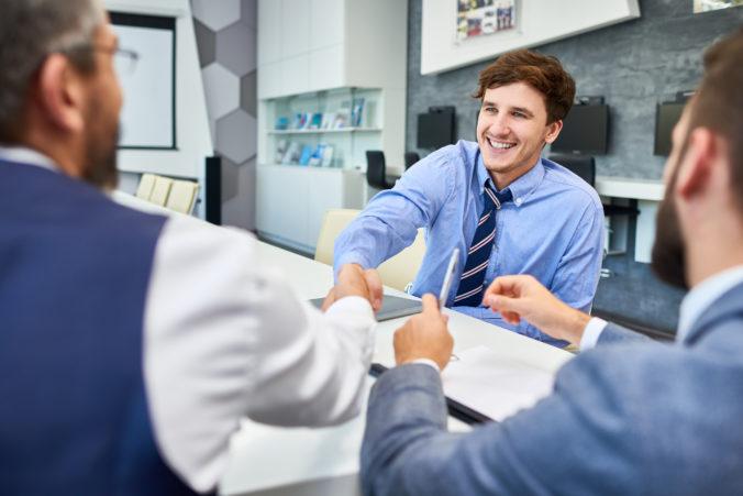 Hľadáte si prácu v Bratislave? Angličtina je pre takmer polovicu zamestnávateľov dôležitá