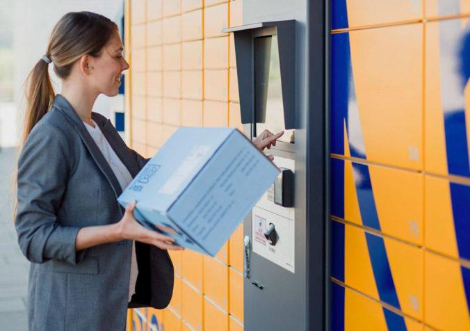 Slovenská pošta navýšila počet kuriérov, upozorňuje aj na dátum podania zásielok
