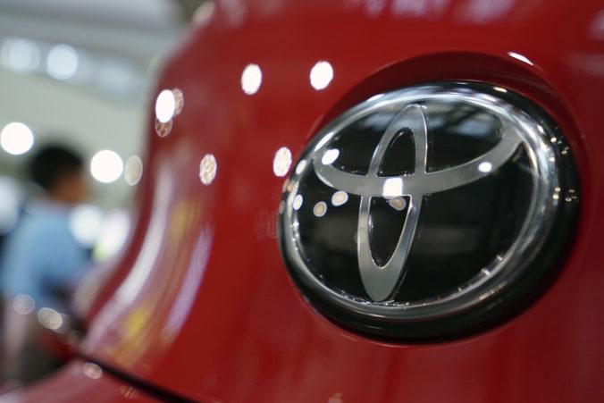 Toyota má v Anglicku dve fabriky, šéf jej európskej divízie varuje pred tvrdým brexitom