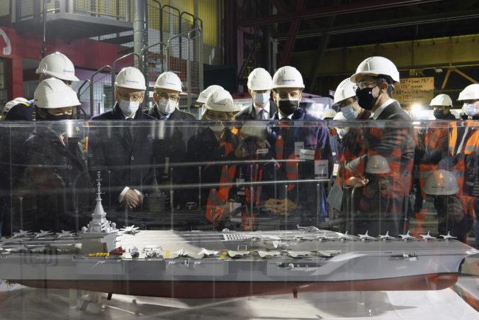 Francúzsko bude mať lietadlovú loď s jadrovým pohonom, má merať približne tristo metrov