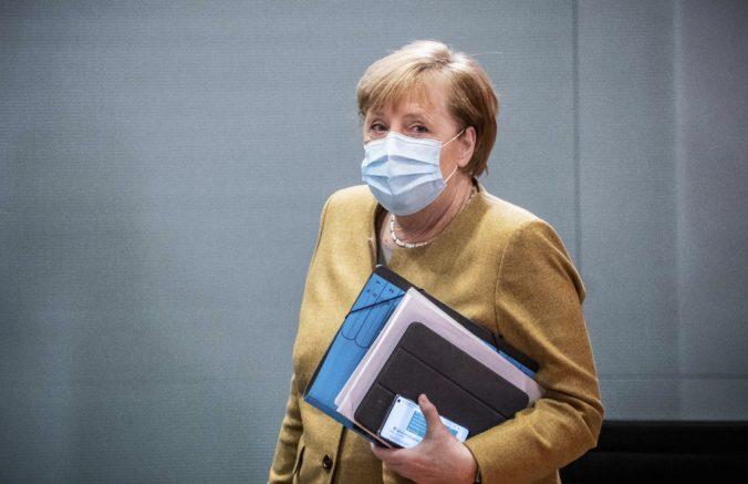 Merkelová podporuje v boji proti šíreniu koronavírusu prísnejšie obmedzenia verejného života