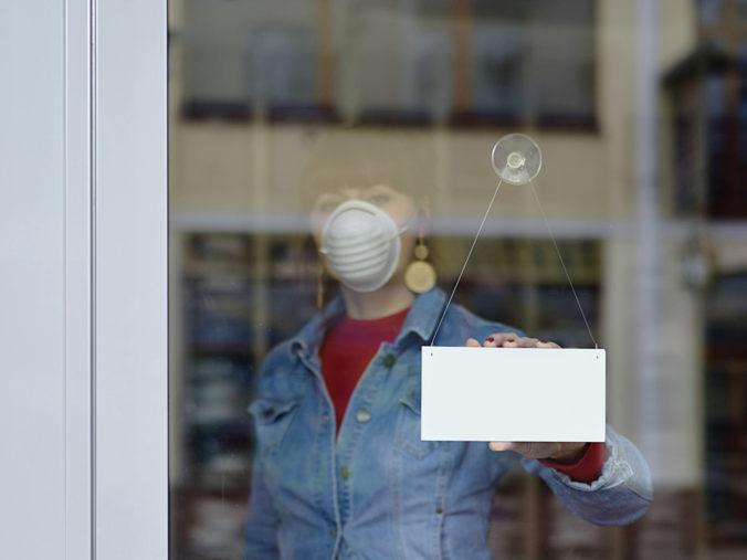 Podmienky pre maloobchodníkov počas možného lockdownu by mali platiť pre všetkých rovnako