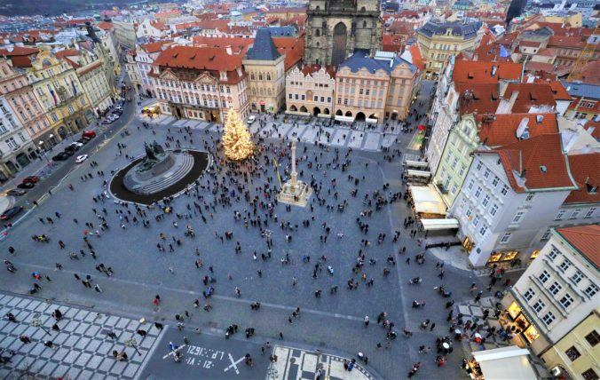 Česko predĺži pre COVID-19 núdzový stav do 23. decembra, januárový termín opozícia odmietla