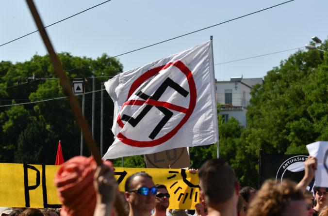 Extrémizmus má na mladých veľký dosah a protiextrémistická koncepcia eviduje aj nárast nenávistných prejavov