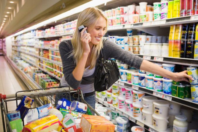 Hygienici chcú zákaz predaja nepotravinového tovaru v reťazcoch. Doplatia na to ľudia?