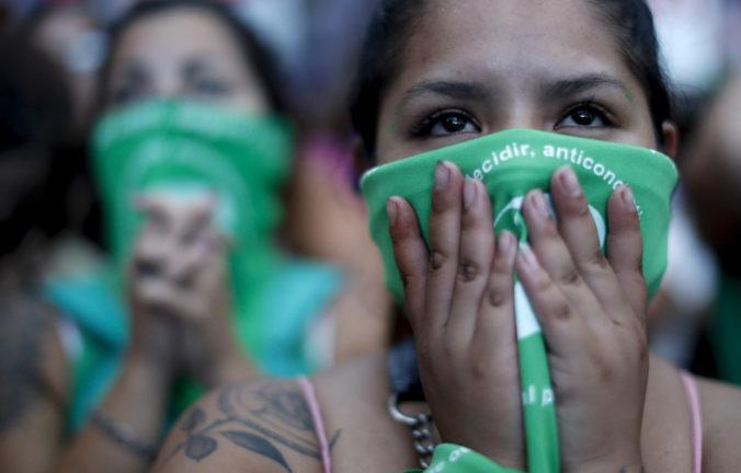 Ženy v Argentíne si môžu vydýchnuť, parlament odklepol legalizáciu interrupcií