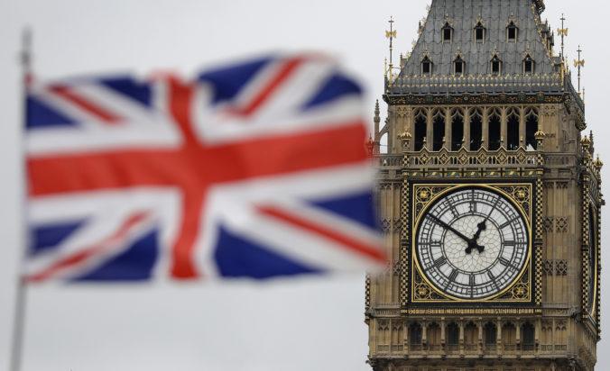 Veľká Británia predĺžila program na udržanie pracovných miest počas pandémie