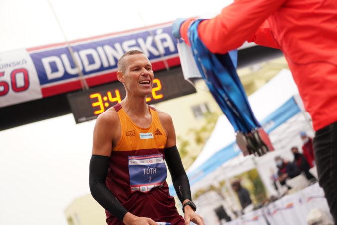 Atletickým kráľom roka je opäť Matej Tóth. Pred Volkom a Zapletalovou mal však len malý náskok