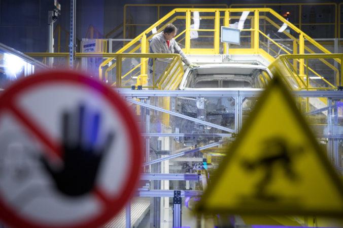 Bratislavský závod Volkswagen Slovakia zastaví výrobu, zamestnanci budú čerpať celozávodnú dovolenku
