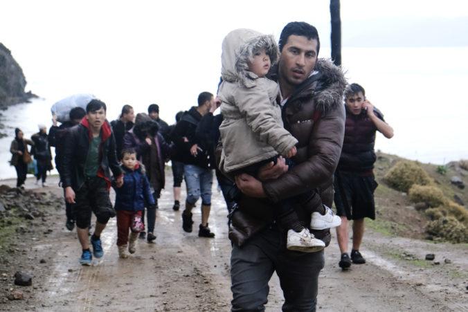 Migranti v Turecku získajú na pomoc od EÚ milióny eur, Európska komisia predĺžila dva programy