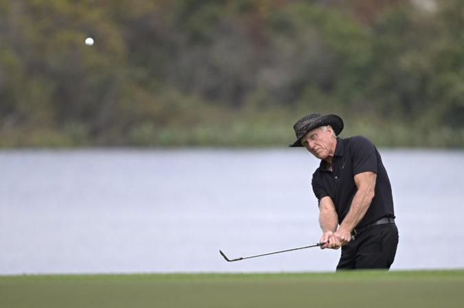 Niekdajšia svetová golfová jednotka je v nemocnici, Greg Norman má príznaky ochorenia COVID-19
