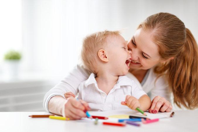 Rodičovský príspevok či prídavok na dieťa budú od januára vyššie