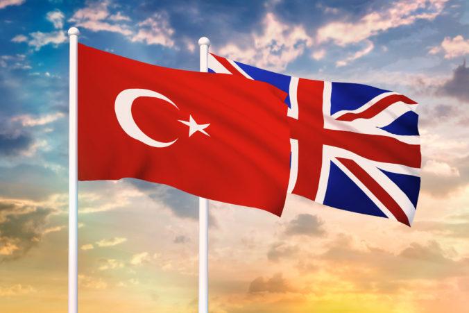 """Veľká Británia podpísala """"pobrexitovú"""" dohodu o voľnom obchode s Tureckom"""